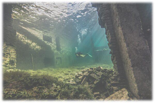 Rummu karjäär, tuhamägi, laguun, sukeldumine